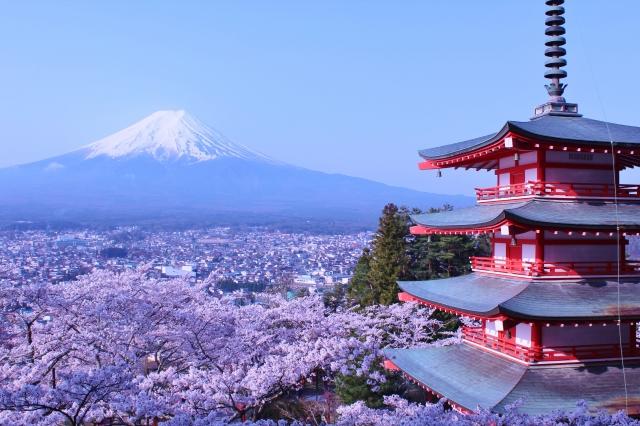 富士山と桜と五重塔 新倉山浅間公園